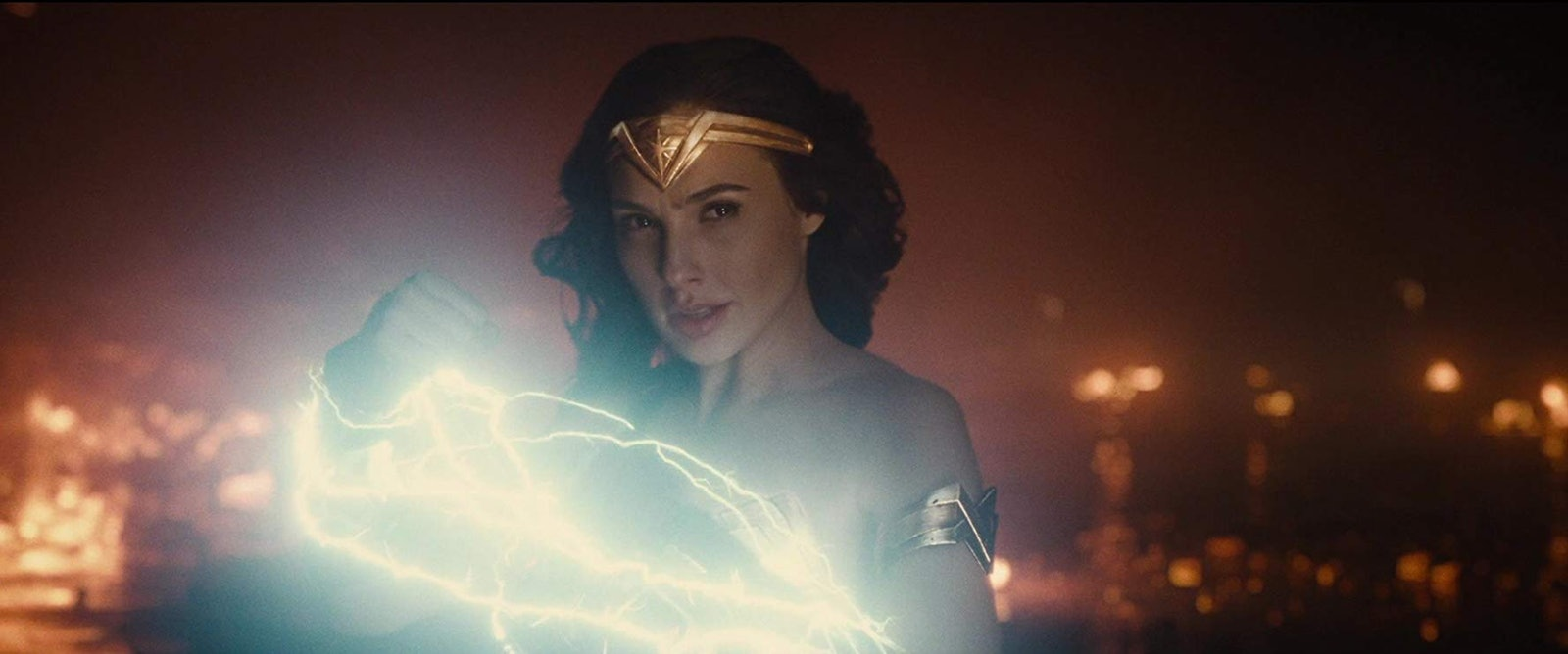《神力女超人》强势回归!续集预告「惊喜曝光」 盖儿加朵「超仙模样」引热议 - 宅男异界