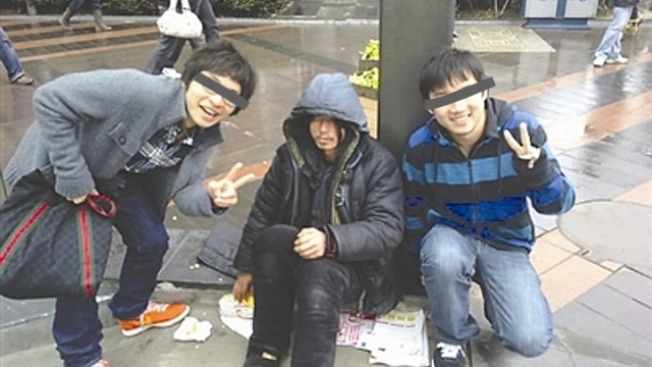 街友首帅「犀利哥」一场表演13万! 9年后「惨照曝光」…家人无奈:没办法! - 宅男圈