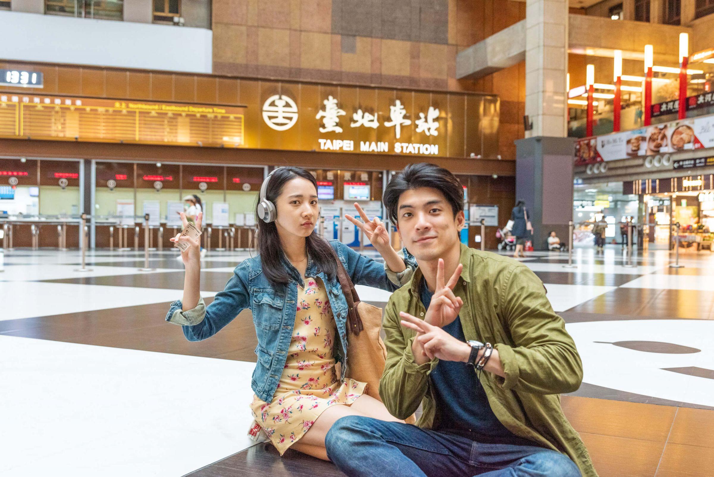 《青春弒恋》林哲熹、李沐「首次在北车拍戏」:真的美到像童话!