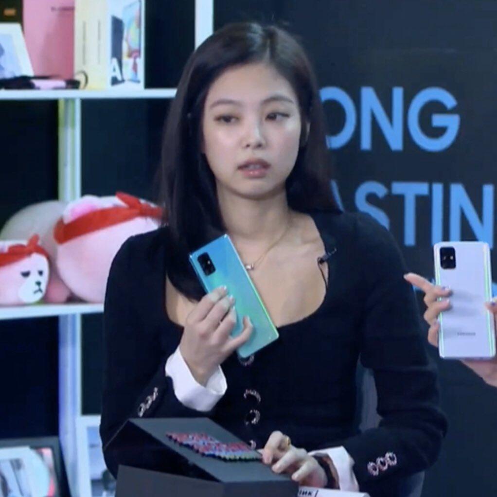 Jennie看负评「表情曝光」!主持人表现惹议…网心疼「狂标记YG」怒轰:她值得更好的! - 宅男异界
