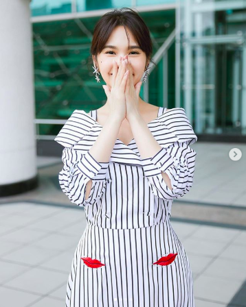 杨丞琳「罕见辣穿短裤」!「纤细筷子腿」曝光 粉丝暴动:OMG! - 宅男圈