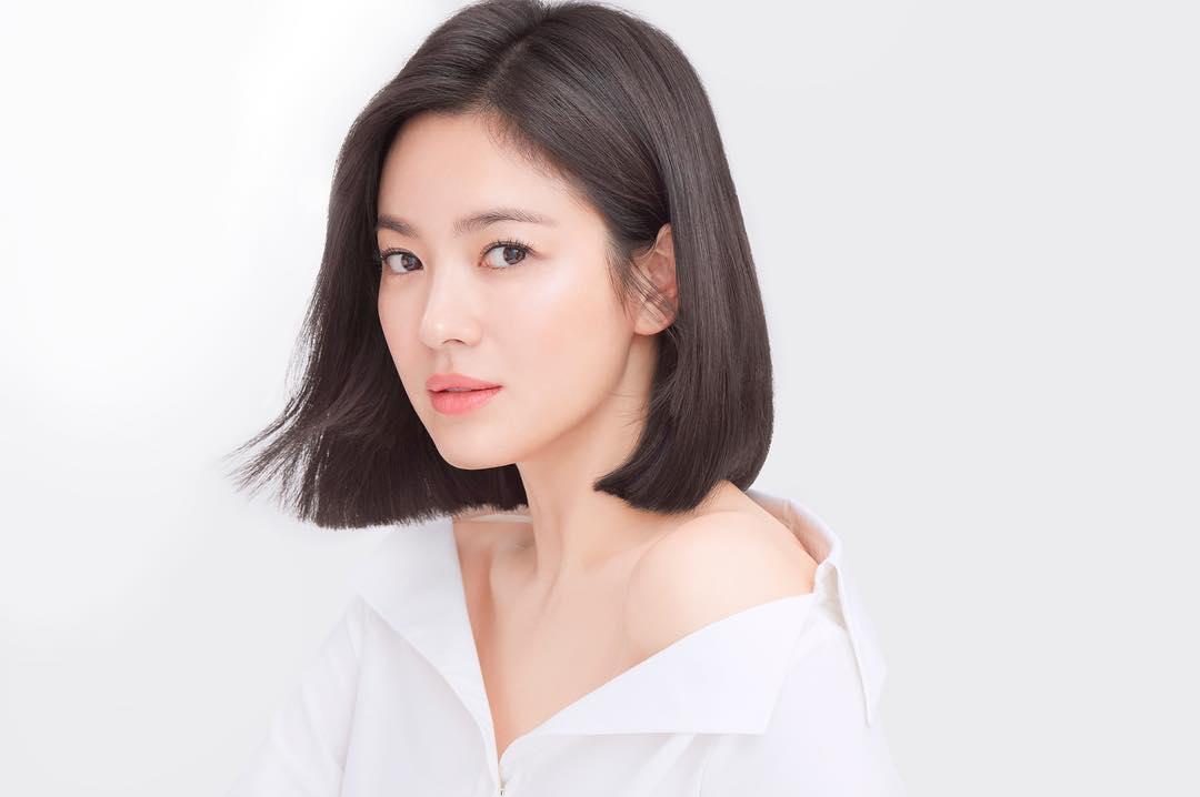 「亚洲最时尚脸孔」榜单出炉!「迪丽热巴、LISA」竟跌出10名外 网崩溃:太假了! - 收藏派