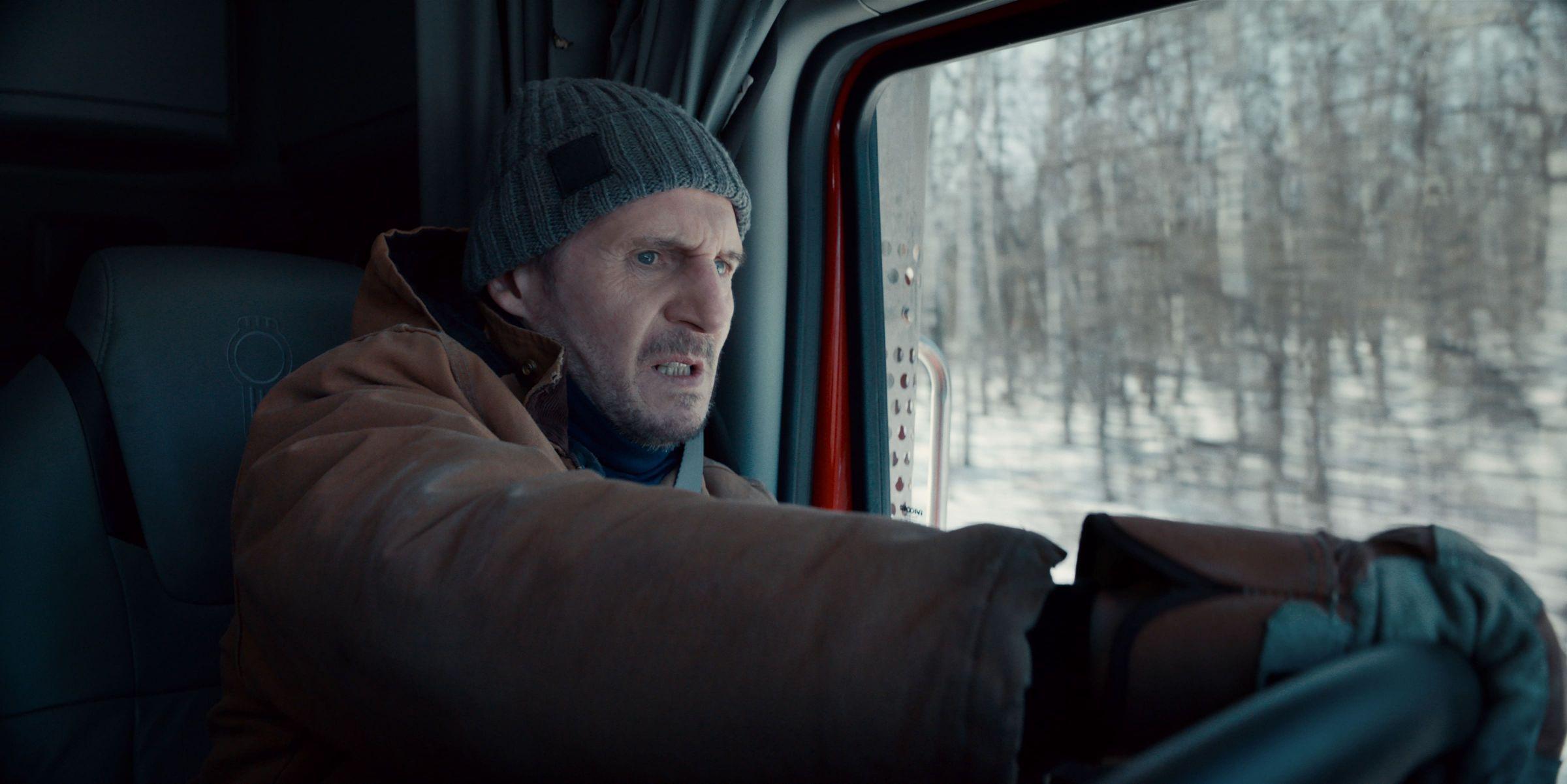 耗资10亿台币实景拍摄! 《疾冻救援》连恩尼逊 冰路狂飙卡车展身手 - 宅男圈
