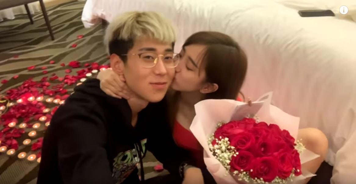 要好好珍惜我!「杨宝贝」爆哭接受告白 吻上小五岁YouTuber「傲祥」:我也喜欢你! - 收藏派