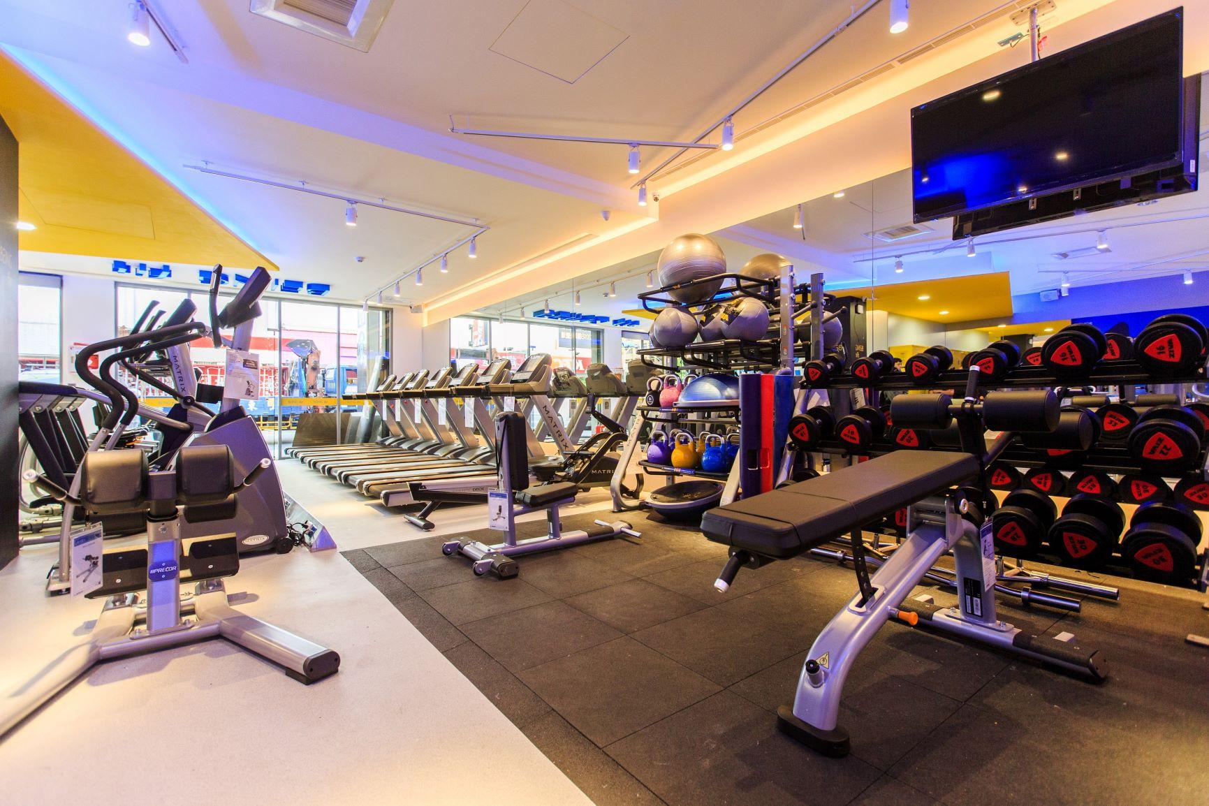 想健身再也不用付会费、被绑约!离家三步的 7-11「坎城门市」推出全新健身房服务 - 宅男异界