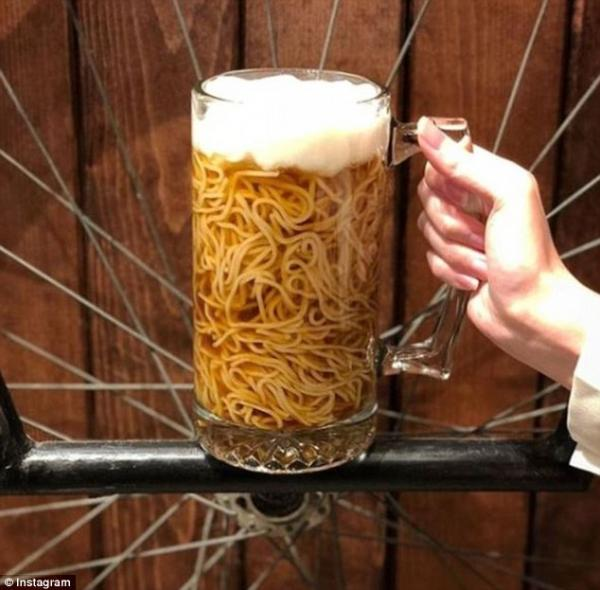 这家日本料理店推出「啤酒拉麵」爆红 这么多顾客前往点单的美食真实味道是… - 宅男异界